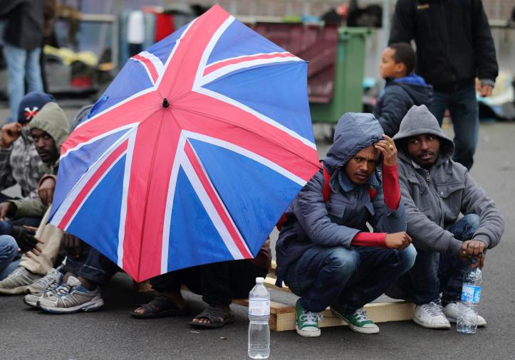 Please give what you can to help refugees and asylum seekers in Calais